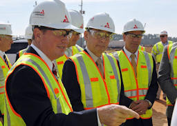 Secretary Chu and Tom Fanning at a Plant Vogtle tour on February 15, 2012.