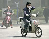 Air and water pollution threaten health and economy in China